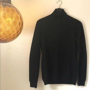 COPY - Vince 100% Wool Turtleneck size XS